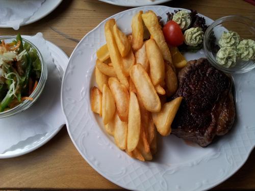 2012-04-13_Bonn_Macholds_Steak_002