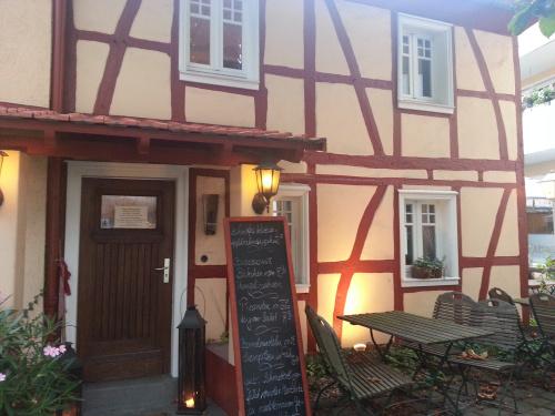 2012-09-18_Restaurant_DasGasthaus_Vorderansicht001