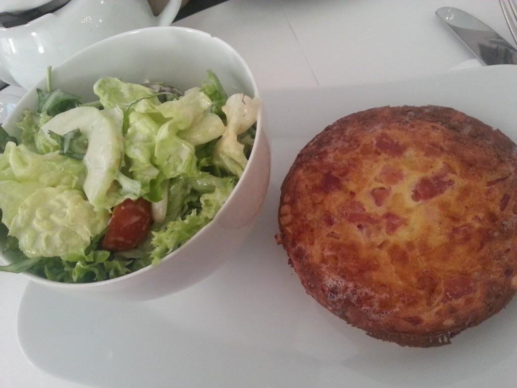 Quiche Loraine und Salat