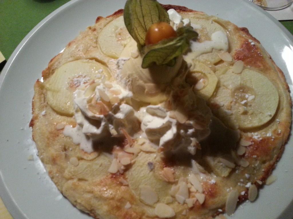 Pfannkuchen mit Apfelringen