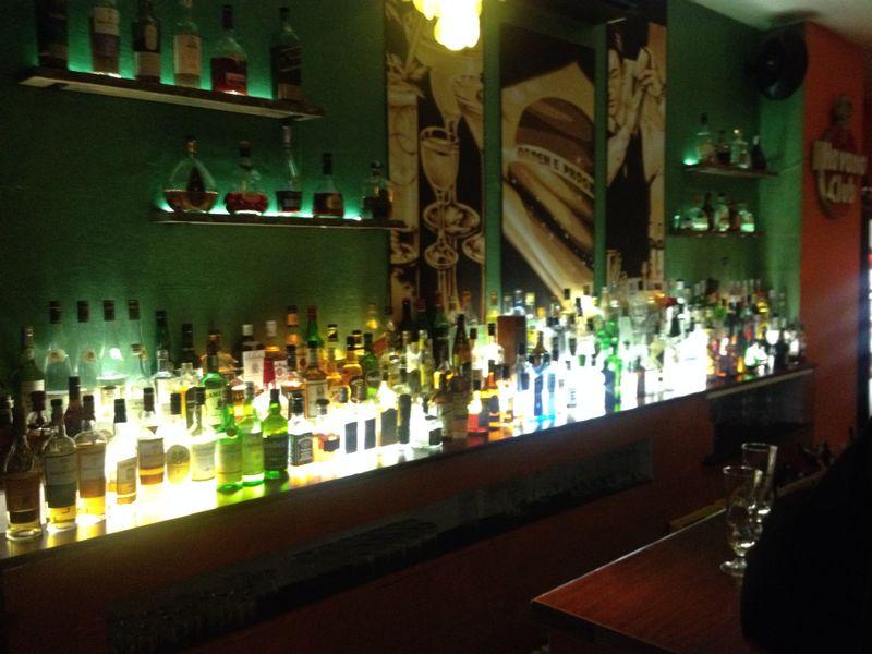 Ein Blick auf die üppige Bar