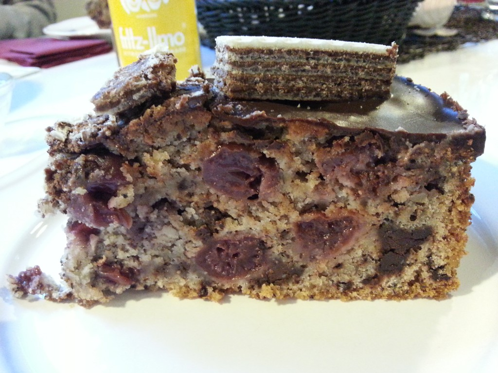 Schokolade-Kirsche Kuchen.