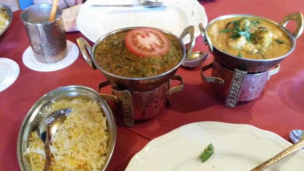 Leckere Hauptgerichte, die die Vielzahl der indischen Gewürze wunderbar betonen