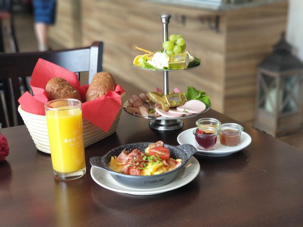 Frühstück im Cafe Schlimbach
